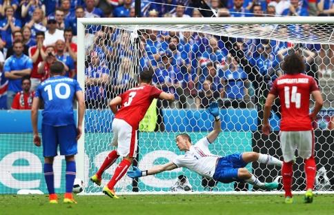 Iceland v Austria - Group F: UEFA Euro 2016
